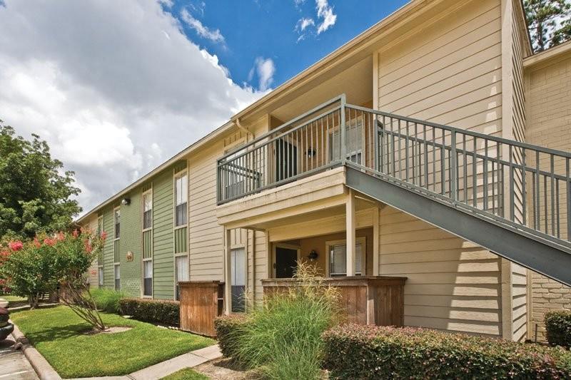 Hamilton Zanze Sells 530-Unit The Point at Cypress Woods Apartment Community in Northwest Houston Submarket of Cypress
