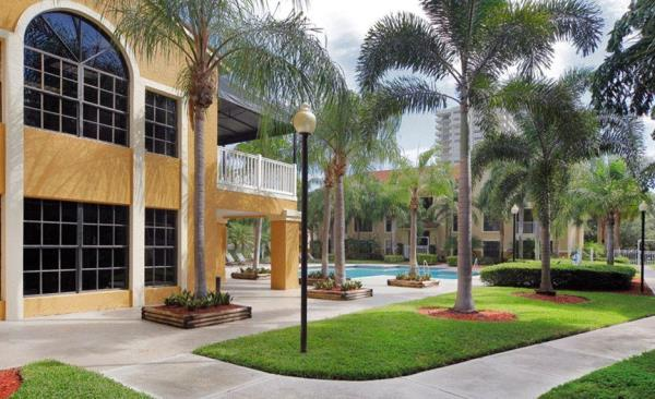 Waterton Completes Acquisition of 553-Unit Port Royale Apartments in Fort Lauderdale, Florida