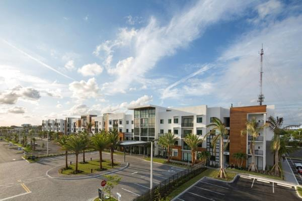 Preiss Company Joint Venture Acquires Off-Campus Student Housing in Boca Raton, Florida