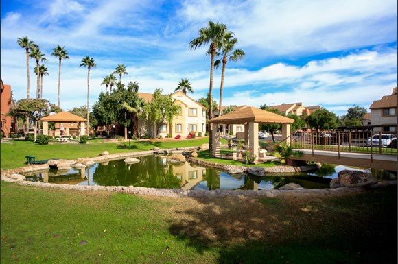 Knightvest Capital Acquires 768-Unit Apartment Community in Phoenix Metro Area for $110 Million