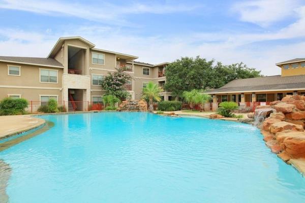 Bascom Group Acquires 280-Unit Apartment Community in Affluent Submarket of San Antonio