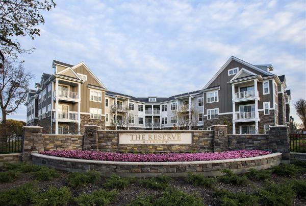 Lowe Enterprises Investors Acquires 239-Unit Transit Oriented Apartment Community in Chicago Area