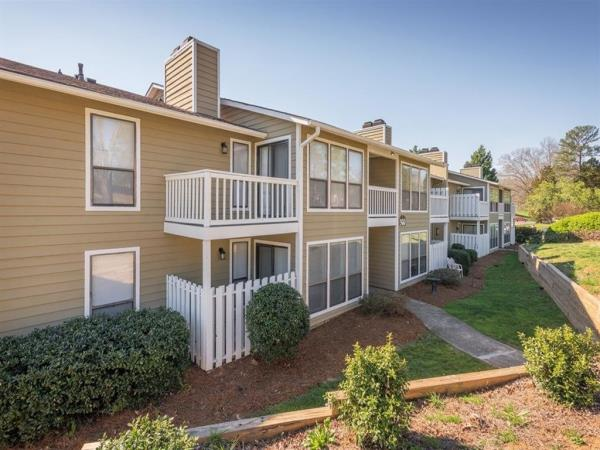 FCP Acquires 574-Unit The Reserve at Providence Apartment Community in Charlotte, North Carolina