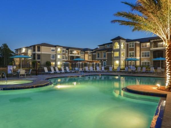 Pinnacle Awarded Management of 264-Unit Luxury Apartment Community in Orlando, Florida