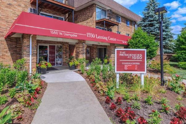 Monument Capital Management Acquires 509-Unit Apartment Community in Mt. Prospect, Illinois