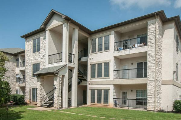 Griffis Residential Acquires Riverton at Davis Springs Apartments in Northwest Austin, Texas