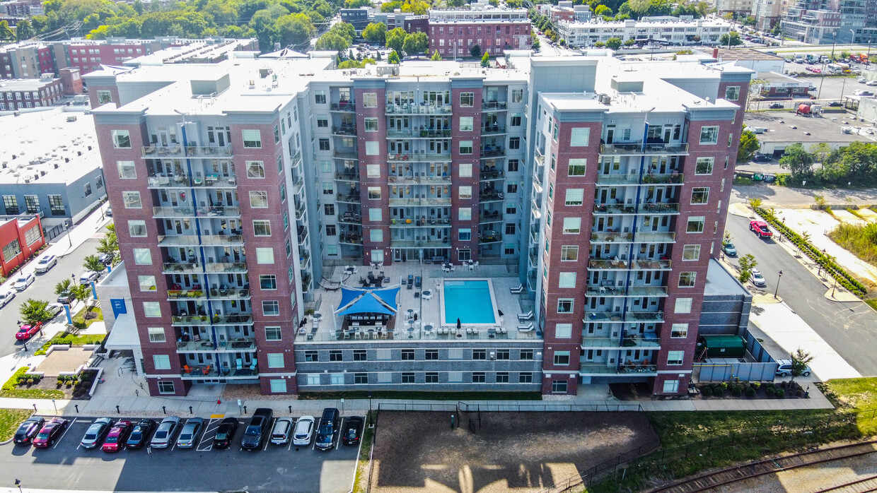 Four Mile Capital Grows Its Portfolio With Acquisition of 212-Unit River's Edge at Manchester Apartments in Richmond, Virginia