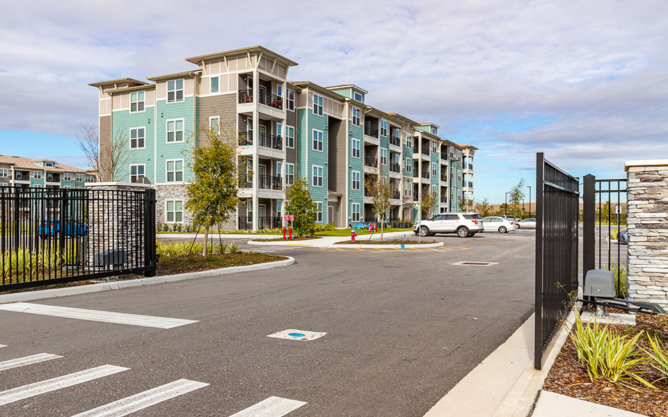 Balfour Beatty Expands Multifamily Portfolio With Acquisition of 352-Unit San Mateo Crossing Apartments in Kissimmee, Florida