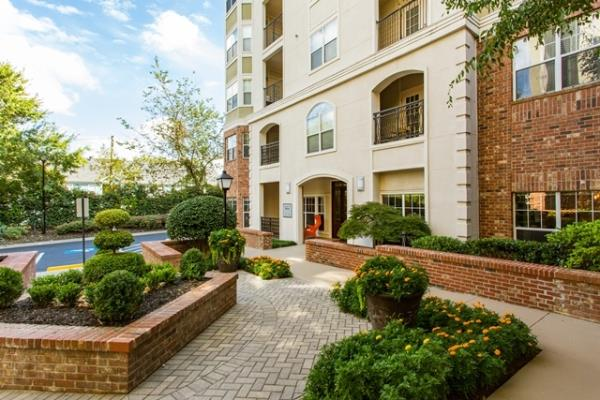Waterton Acquires 322-Unit Mid-Rise Apartment Community in Atlanta's Midtown Neighborhood