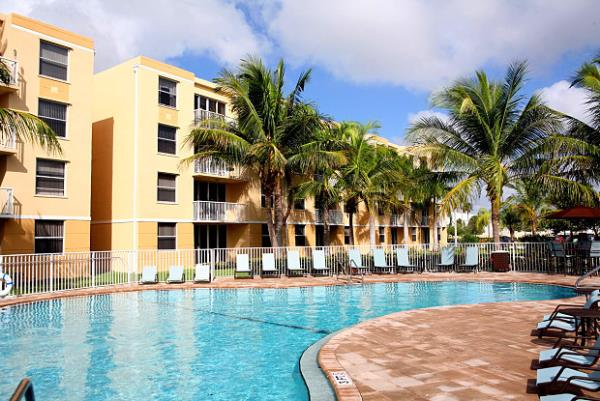 American Landmark Acquires 240-Unit Sheridan Lake Club Apartments in Dania Beach, Florida