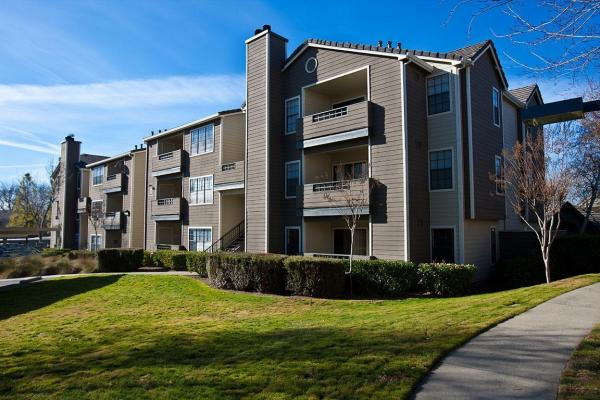 Kennedy Wilson Acquires 612-Unit Apartment Community in Greater Sacramento for $100 Million