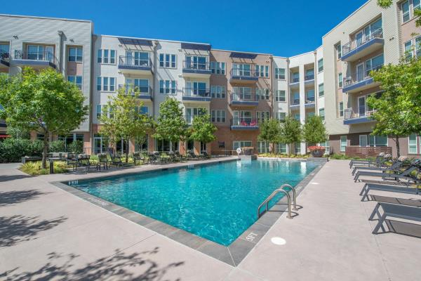 Waterton Acquires 288-Unit South Side Flats Apartment Community in Dallas' Cedars Neighborhood
