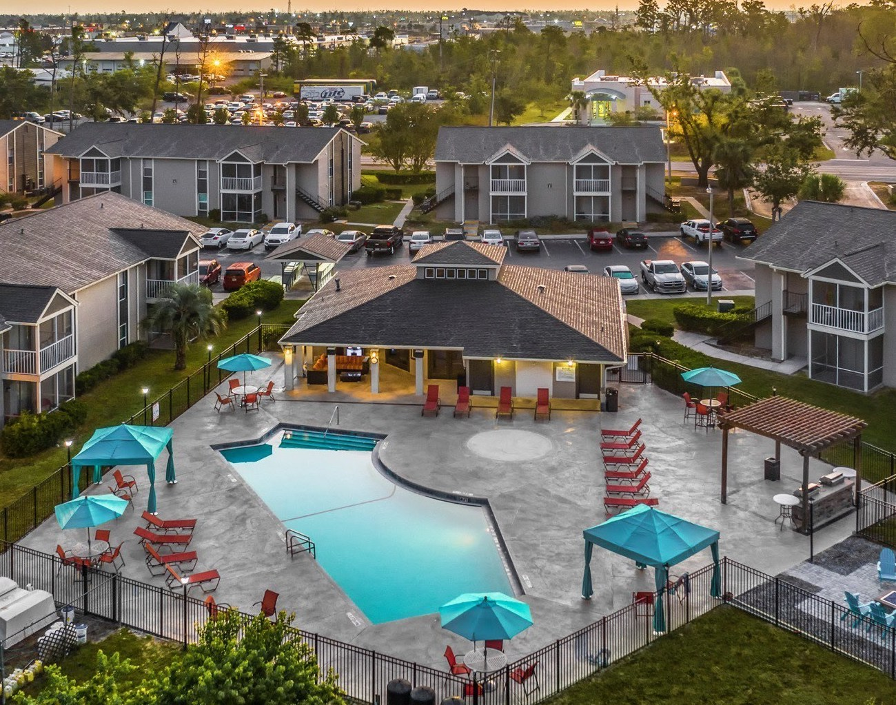 Lexerd Capital Management Acquires Spring Valley Club Apartments in Panama City and Avenue 29 Apartments in Tallahassee