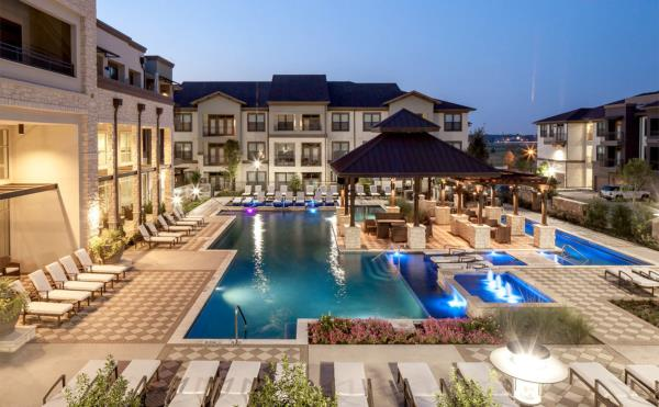 Arch Street Capital Advisors Acquires 417-Unit Luxury Apartment Community in Dallas Submarket