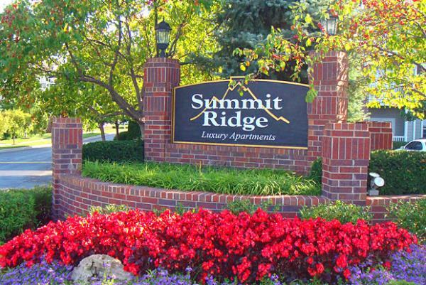 JVM Realty Acquires 432-Unit Summit Ridge Apartments in Suburban Kansas City Market