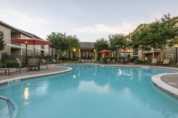 Lowe Enterprises Investors Acquires 208-Unit Apartment Community in San Antonio Suburb