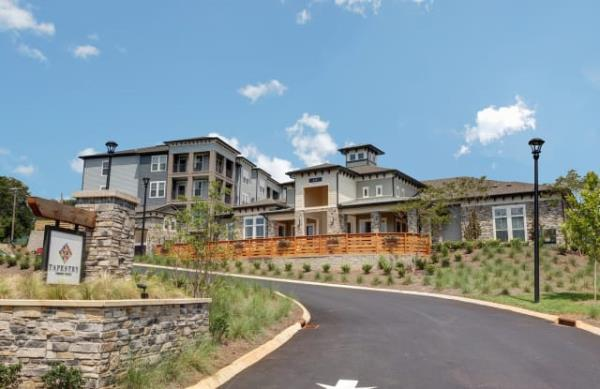 Passco Companies Acquires 220-Unit Luxury Multifamily Community in Knoxville, Tennessee