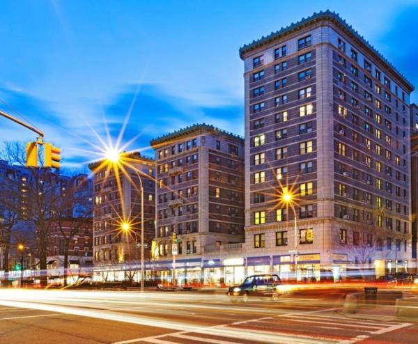 HFZ Capital Marks Construction Milestone at Iconic Condominium Tower in New York City
