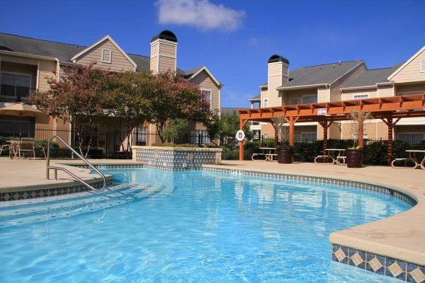 Westmount Realty Capital Acquires 272-Unit Garden-Style Multifamily Community in San Antonio