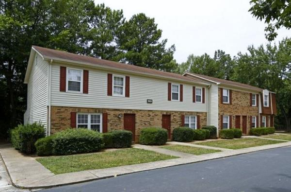 Middleton Meyers Acquires Three Apartment Communities Totaling 984-Units in Charlotte