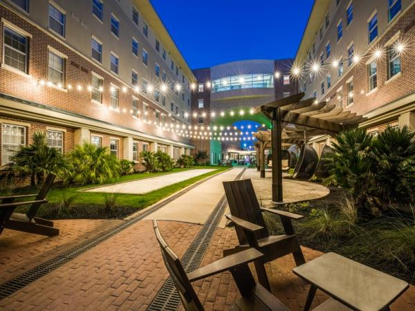 Preferred Apartment Communities Acquires Student Housing Community in College Station, Texas