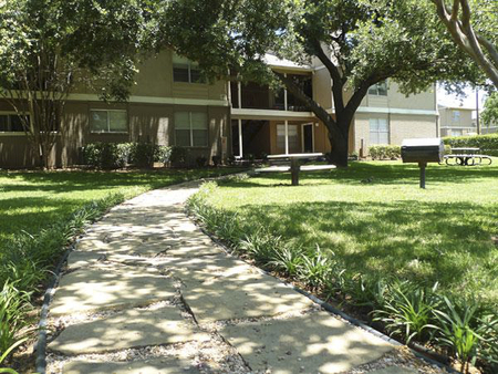 EPC Multifamily Partners Acquires 322-Unit Valley Oaks Apartment Community in Dallas Submarket