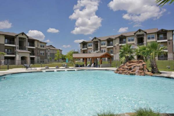 Robbins/Electra America Expands Presence in Texas with Acquisition of 288-Unit Apartment Community