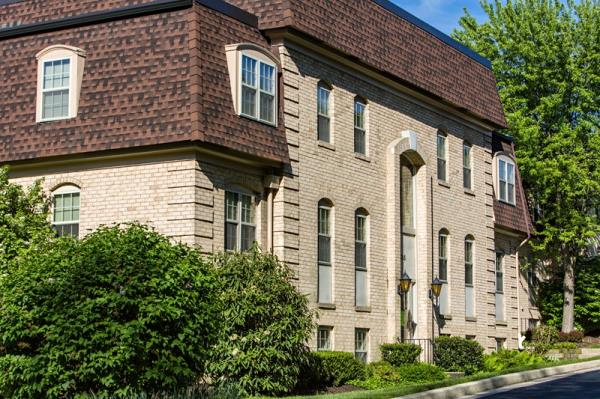 ROSS Companies Acquires 210-Unit Versailles Apartment Community in Towson, Maryland