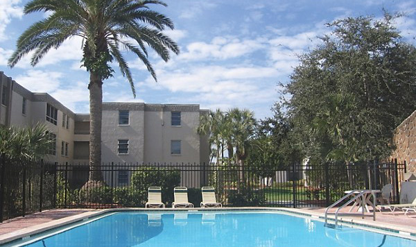 Lloyd Jones Capital Purchases 432-Unit Apartment Community in St. Petersburg, Florida