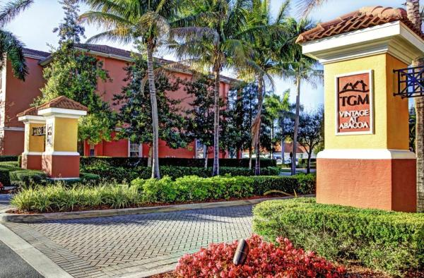 TGM Associates Sells 390-Unit Upscale Multifamily Community in Jupiter, Florida