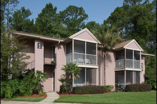 Robbins Electra Expands Portfolio with Acquisition of Three Apartment Communities in Southeast