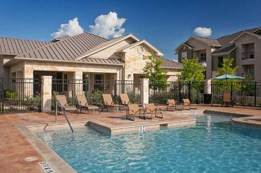 Waterton Residential Acquires Fox Hill in Austin, TX