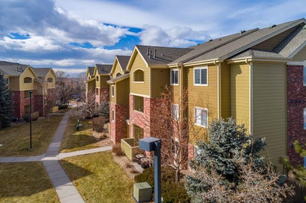 Hamilton Zanze Acquires 216-Unit Willow Run Village Apartments in North Denver Metro for $50 Million