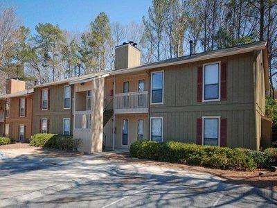 Resource Real Estate Investors Announces Successful Sale of Woodland Hills Apartments in Atlanta