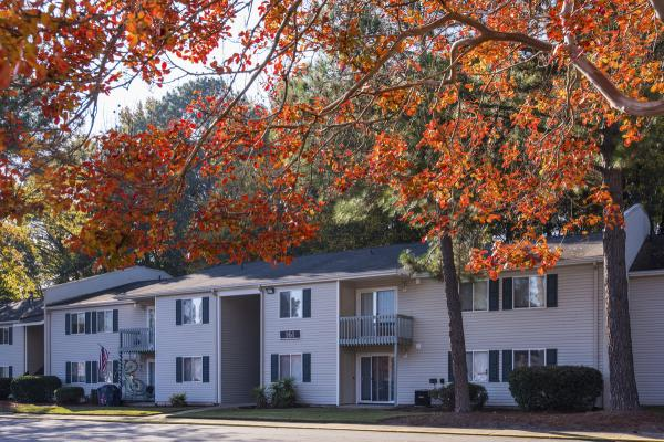 Core Real Estate Capital Acquires Two Apartment Communities at the Close of 2014