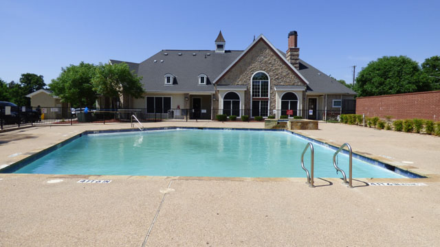 Sparkling Pool at Murdeaux Villas Apartments in Dallas, TX
