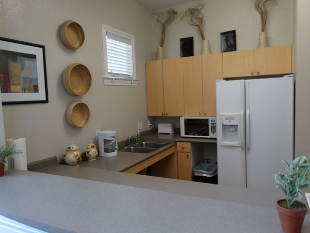 Community Kitchen at Murdeaux Villas Apartments in Dallas, TX