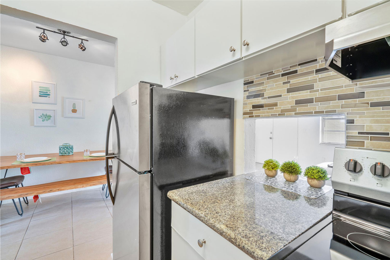 Stainless Steel Appliances at New Castle Lake Apartments in Miami, FL
