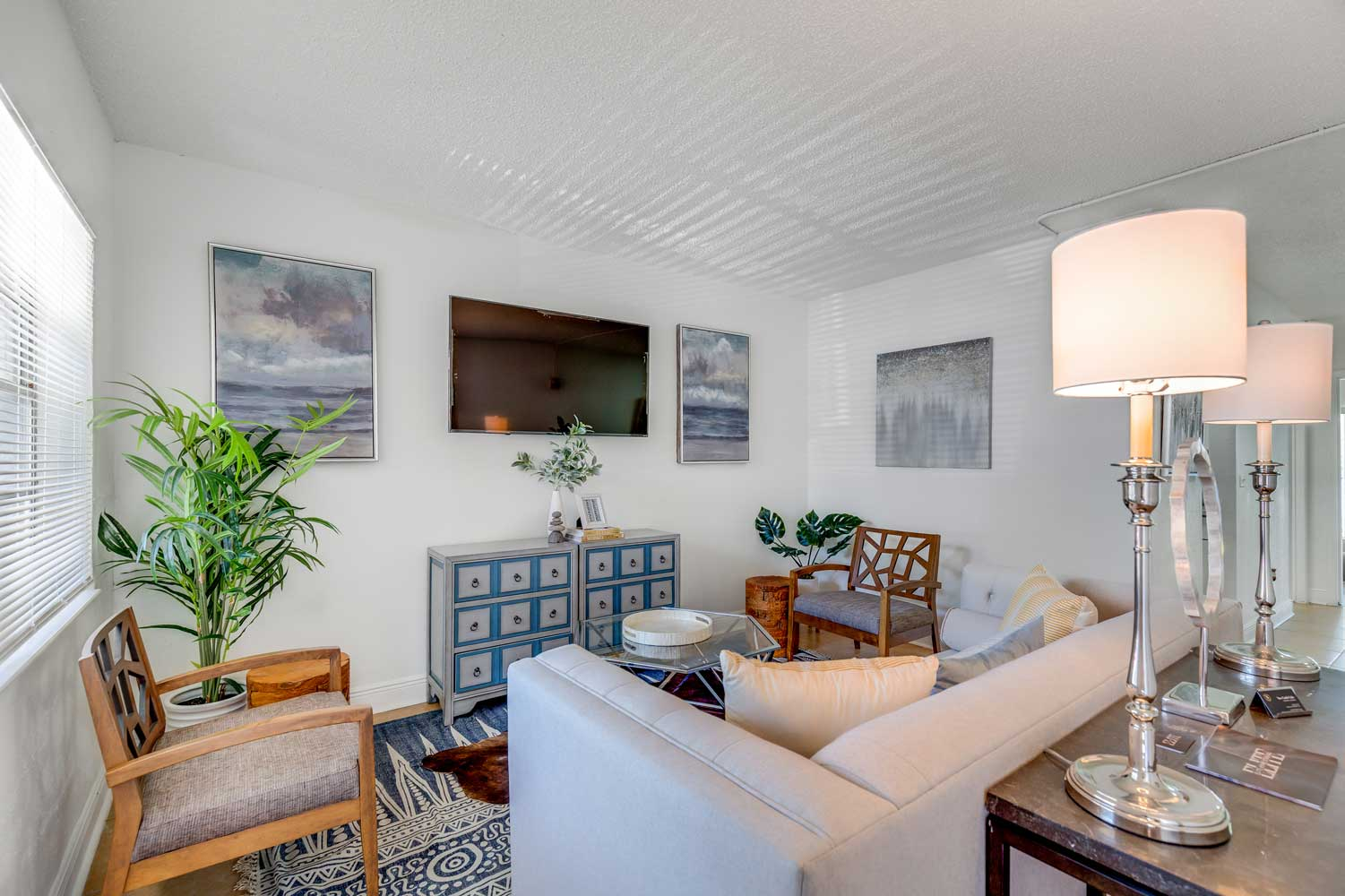 Newly Renovated Interiors at New Castle Lake in Miami, FL
