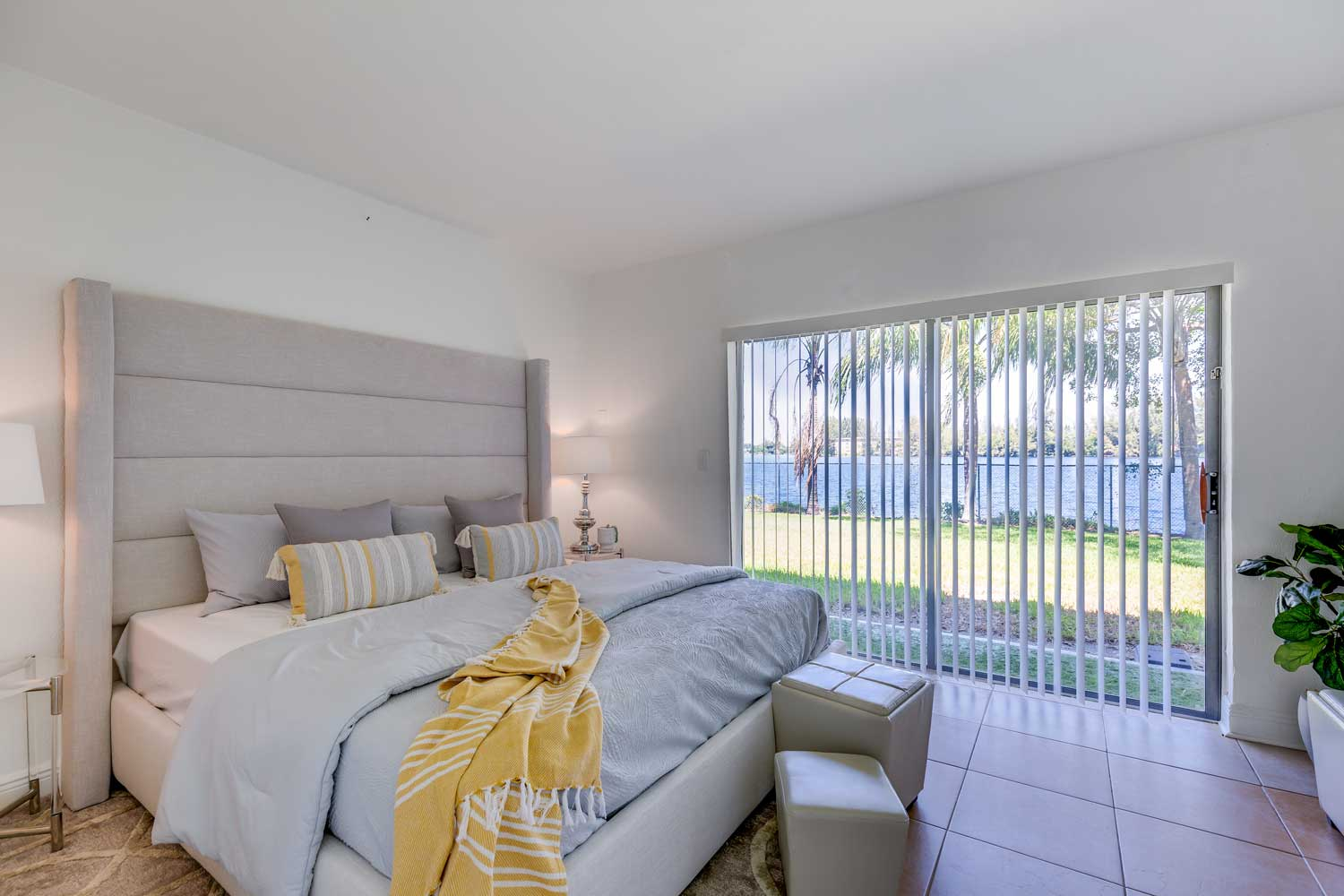 One Bedroom Floor Plans at New Castle Lake in Miami, FL