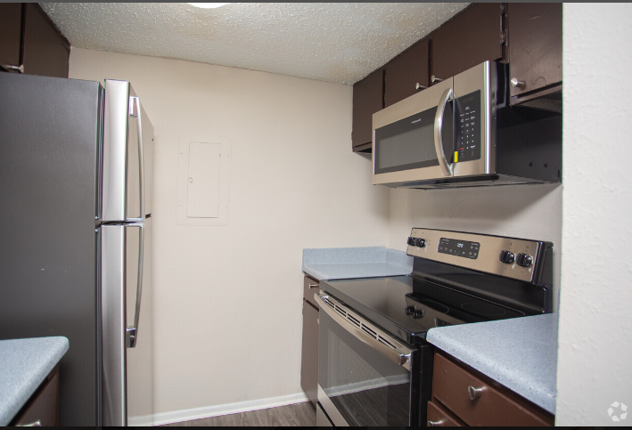 Fully-Equipped Kitchens at The Cassidy at Western Hills Apartments in Fort Worth, Texas