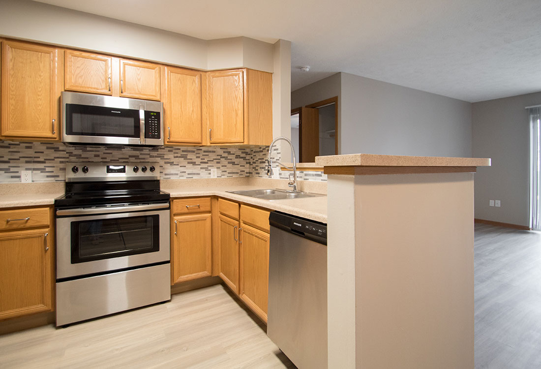 Beautiful Kitchens with Stainless Appliances at Northridge Apartments in Gretna, Nebraska