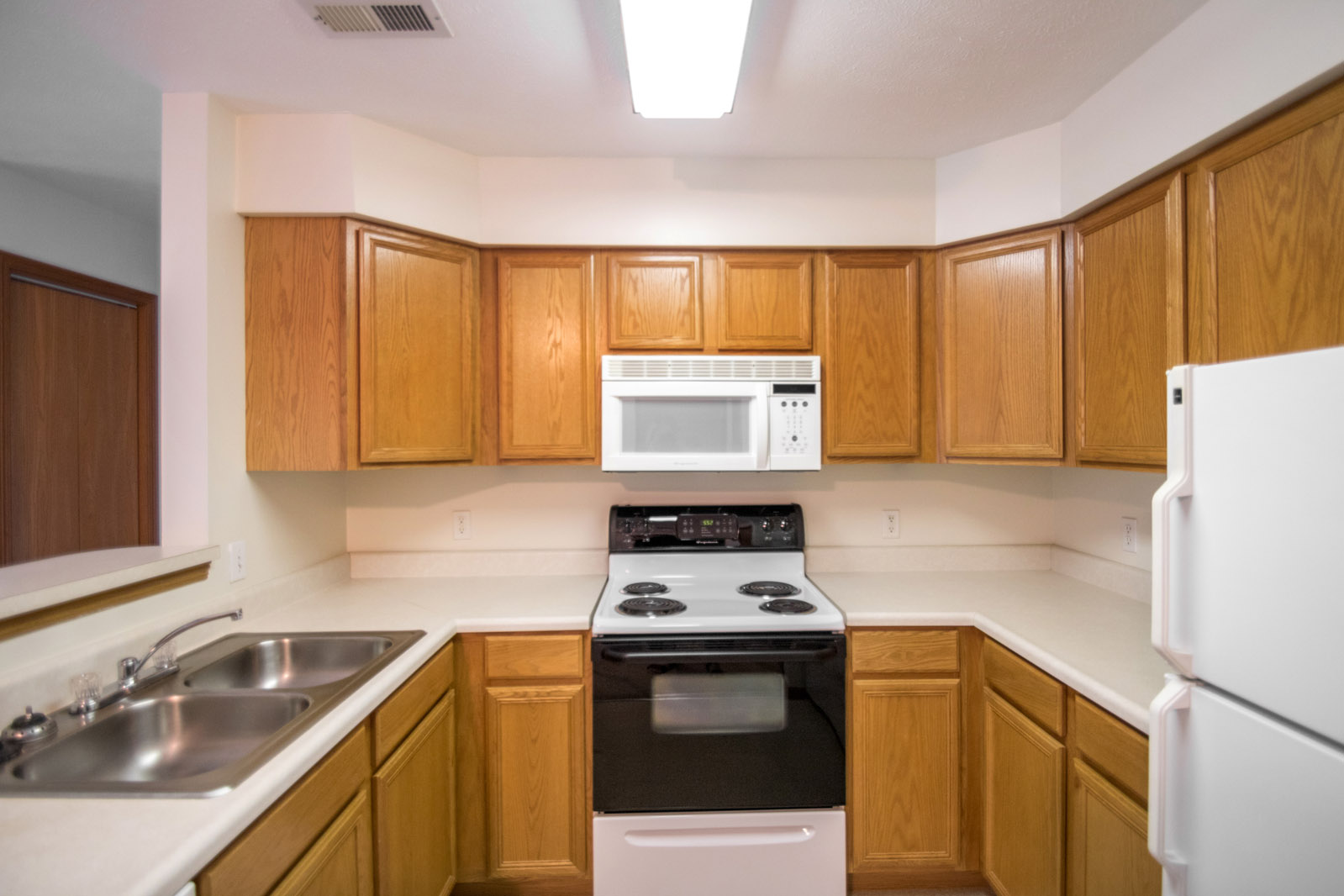 Electric Appliances at Northridge Apartments in Gretna, Nebraska