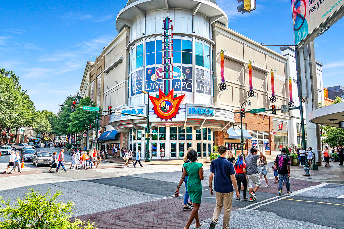 10 minutes to Regal Majestic & IMAX theater in Downtown Silver Spring, MD