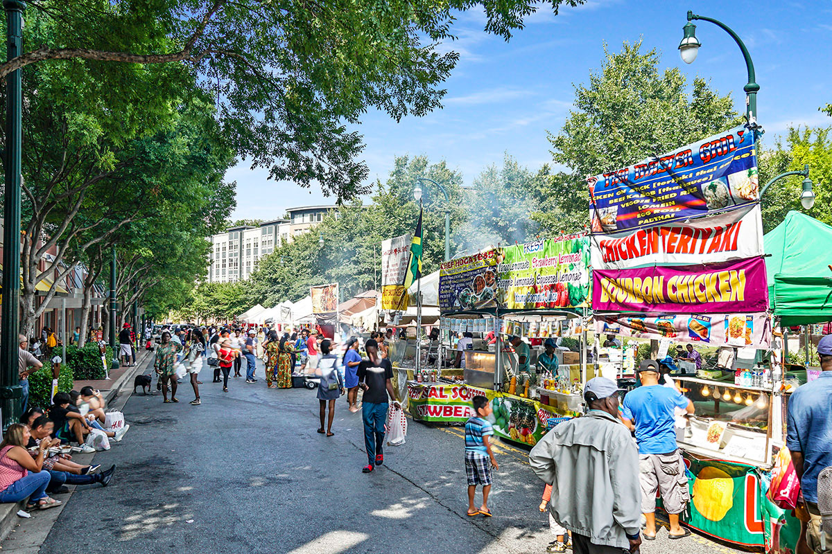 10 minutes to street fairs in Downtown Silver Spring, MD