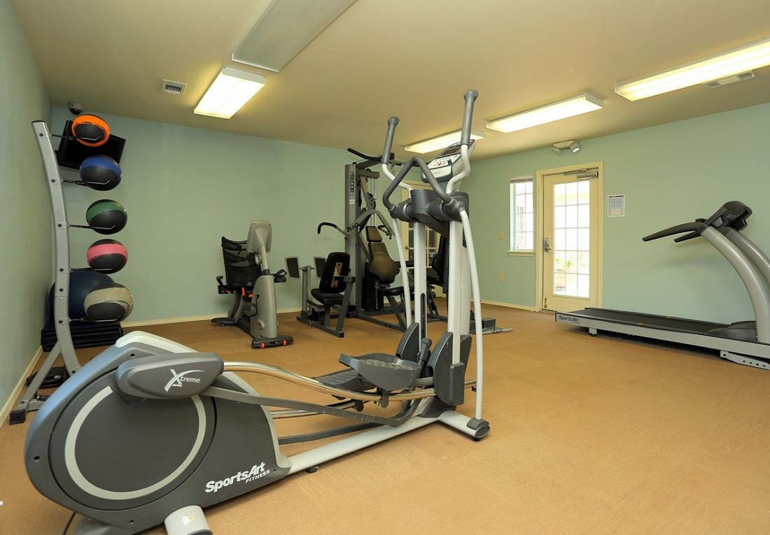 Fitness Center at the Oakmont Apartment Homes in Catoosa, OK