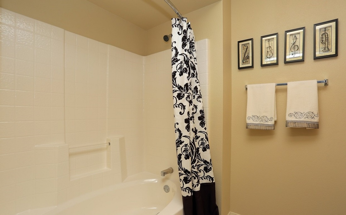 Bathroom Interior at the Oakmont Apartment Homes in Catoosa, OK