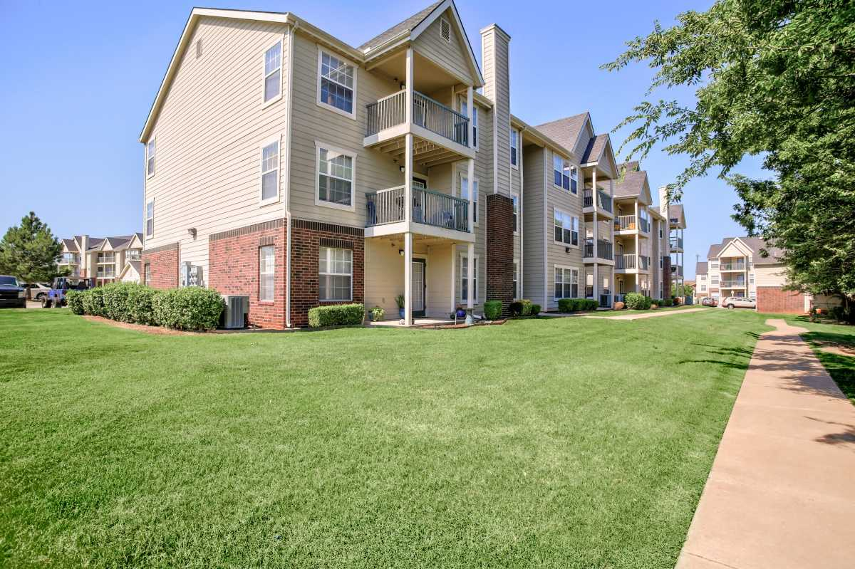 Pet-Friendly at the Oakmont Apartment Homes in Catoosa, OK