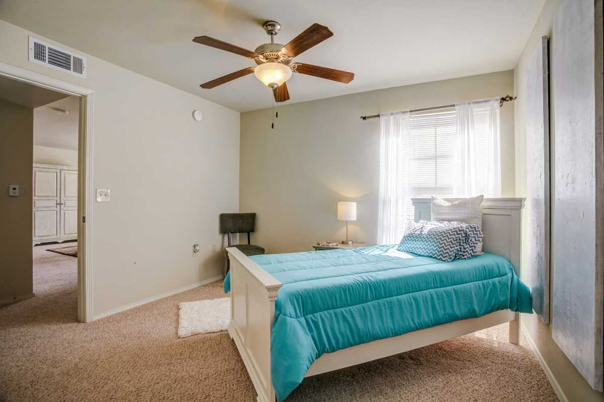 Guest Bedroom Oakmont Luxury at the Oakmont Apartment Homes in Catoosa, OK