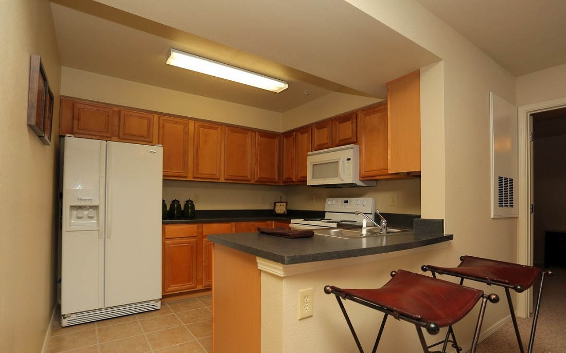 Kitchen Interior at the Oakmont Apartment Homes in Catoosa, OK